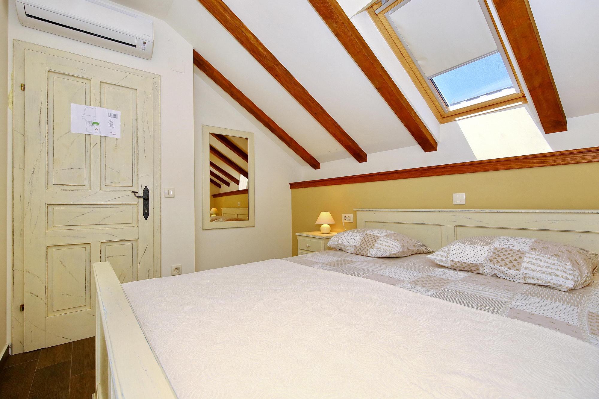 villa idassa ferienhaus in diklo mit meerblick balkon und terrasse kroatien zadar. Black Bedroom Furniture Sets. Home Design Ideas